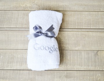 Google, Pool Towel