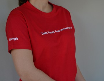 Google, Τουρνουά Πινγκ Πονγκ Μπλούζα