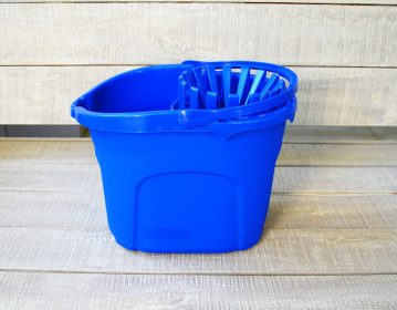 Unilever Kleenex Bucket with Mop