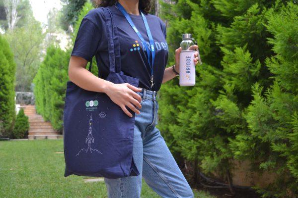 Instructure BridgeCon Μπλούζα Κορδόνι Λαιμού Υφασμάτινη Τσάντα Μπουκάλι Νερού