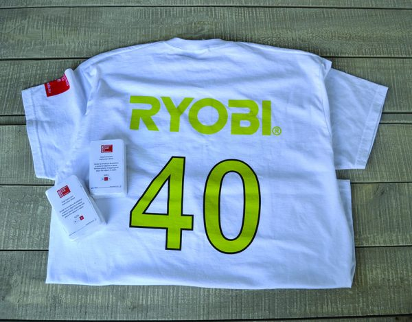 TTI Ισπανία Ryobi Μπλούζα Συρρικνωμένη σε Σχήμα Μπαταρίας Πίσω
