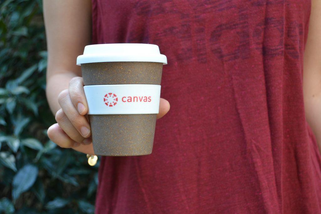διαφημιστικό ποτήρι καφέ από μπαμπού για την Instructure Canvas